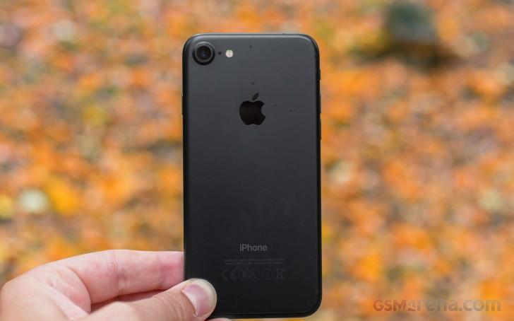 نقد-و-بررسی-گوشی-اپل-آیفون-7-2
