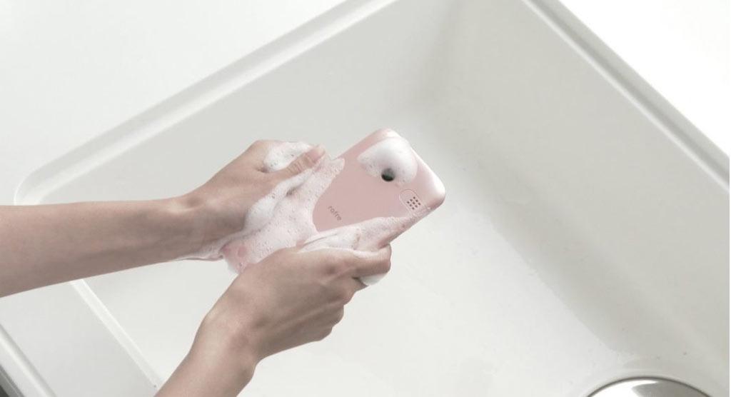 تلفن هوشمند قابل شستشو