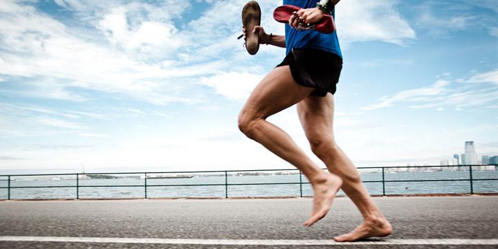 آیا ورزش کردن با پای برهنه کار درستی است؟