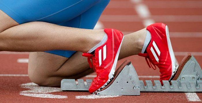چرا پوشیدن کفش مناسب حین ورزش مهم است؟